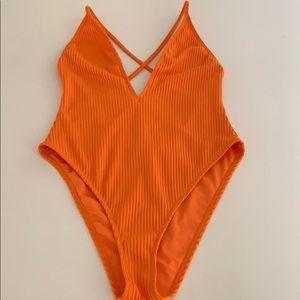 1-piece swimwear/bodysuit